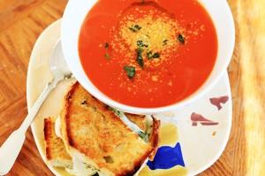 """""""Creamy"""" Tomato Soup"""