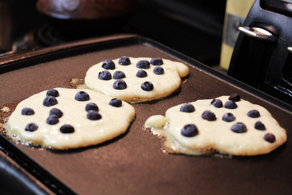 Blueberry & Lemon Buttermilk Pancakes